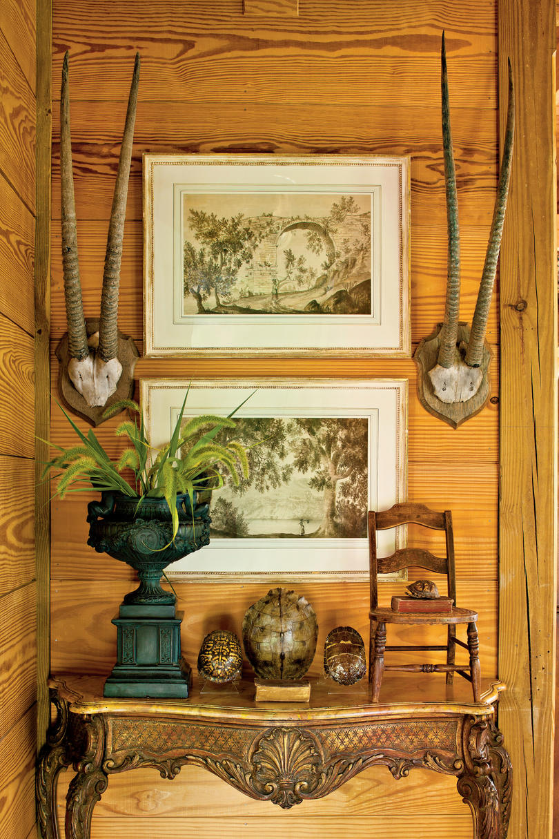 American classic house interior - Walls Of Wood