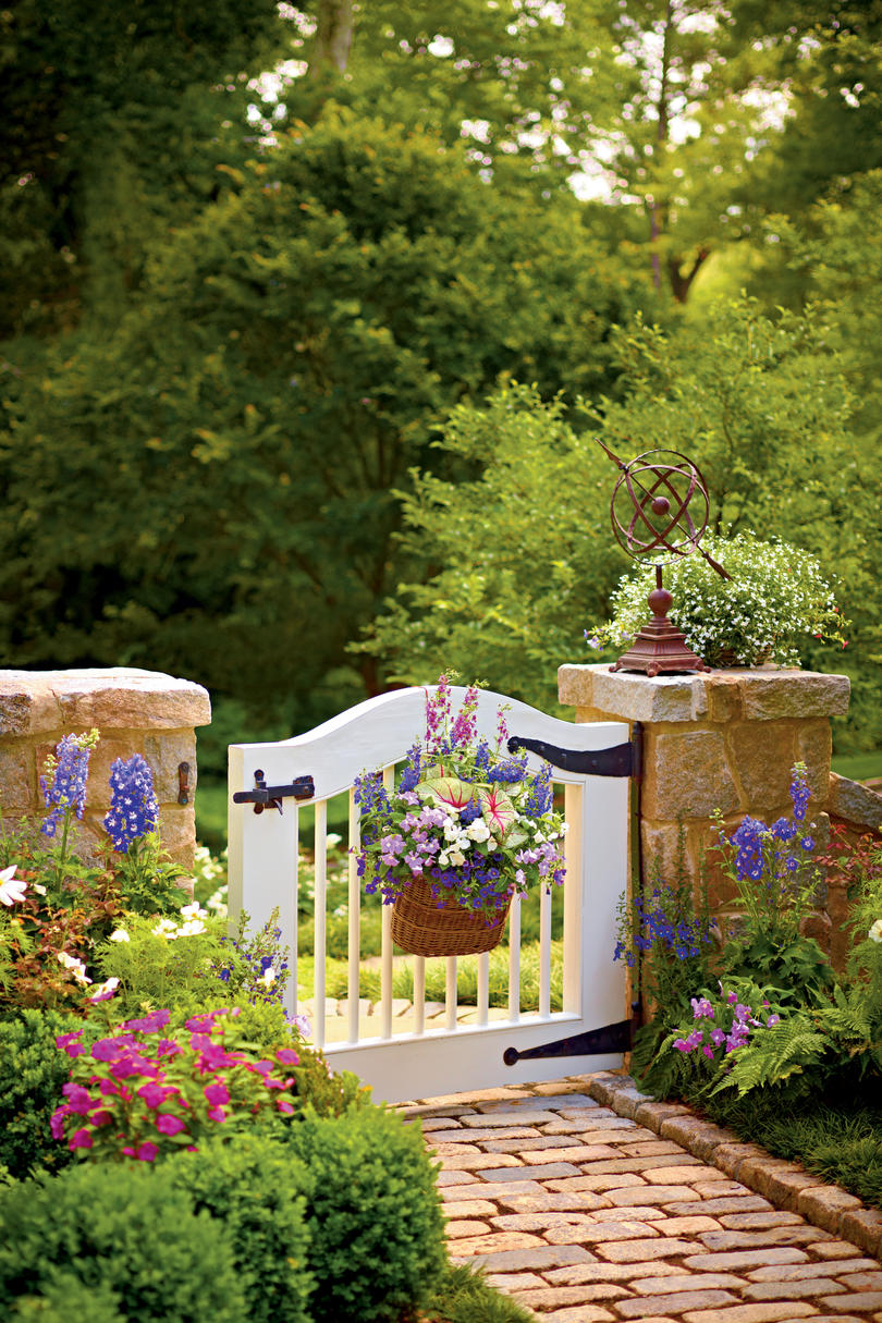 Floral Basket Gate