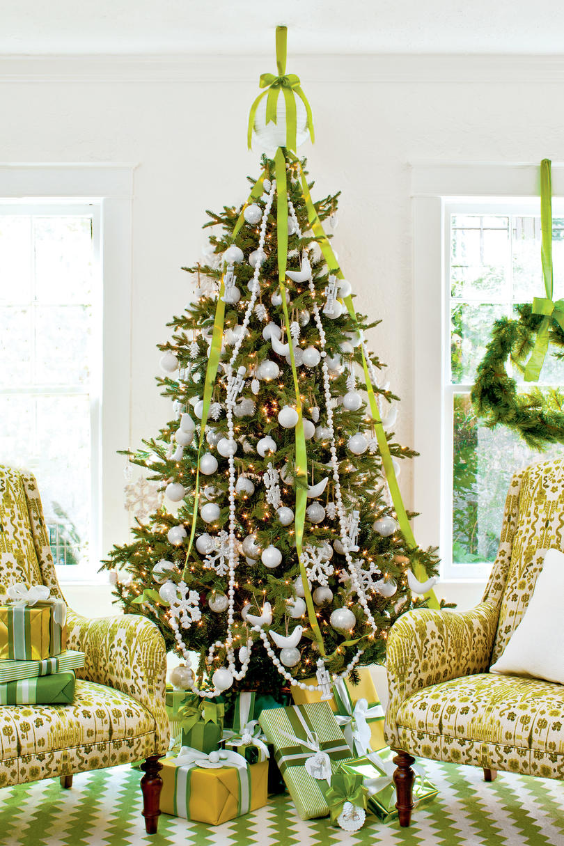 Christmas tree decorating ideas southern living for Silver ornaments for living room