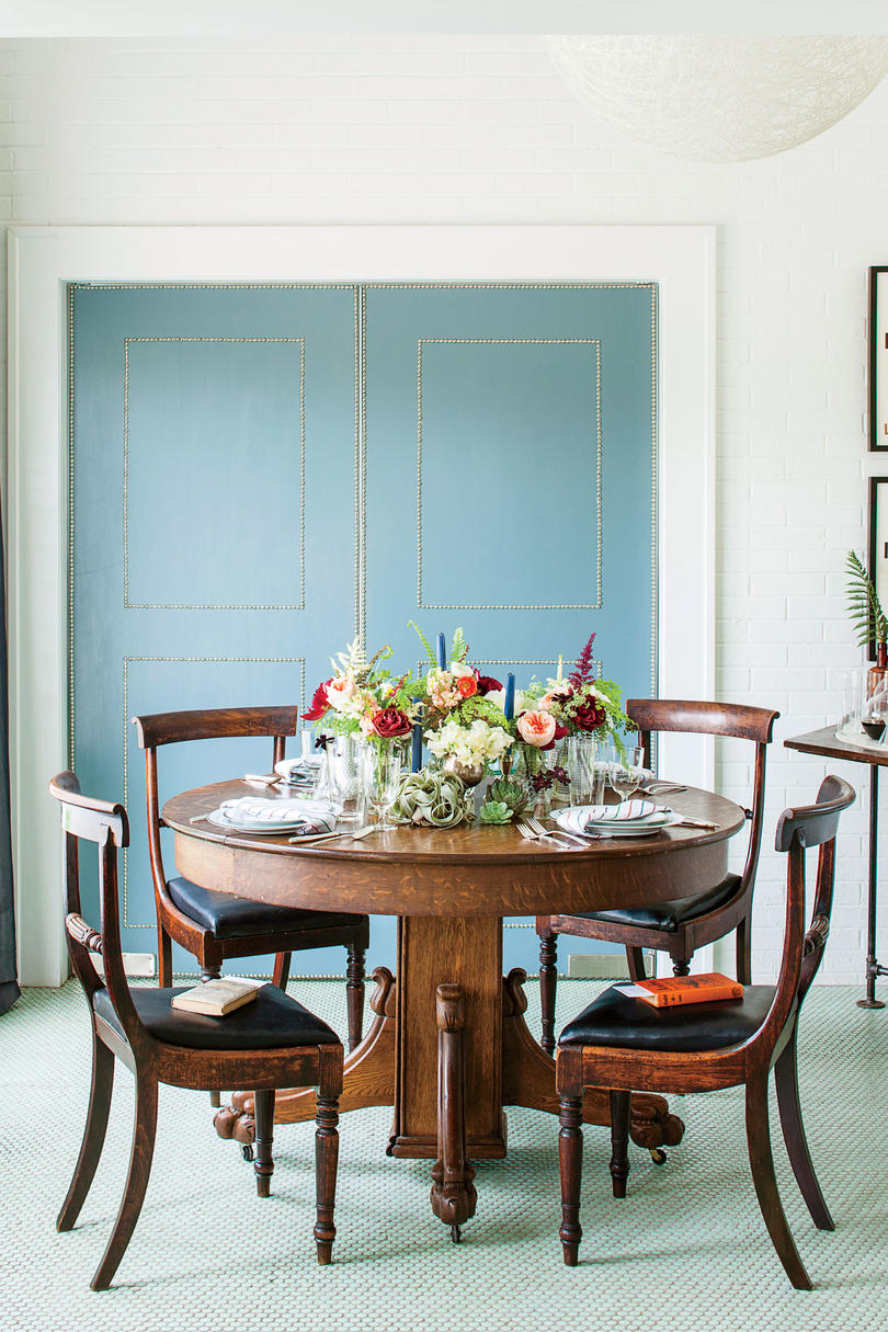 Book Club Table Setting - Southern Living