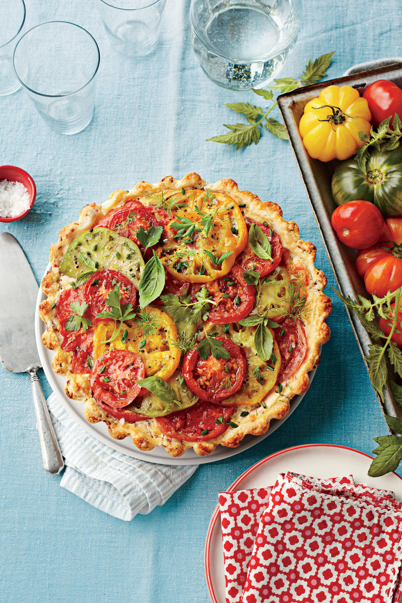 Tomato, Cheddar, and Bacon Pie