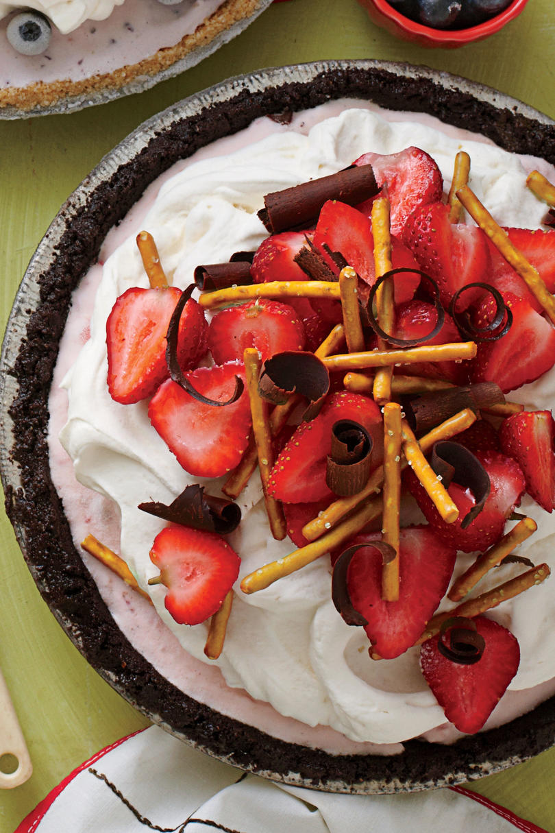 Strawberry-Pretzel Ice-Cream Pie