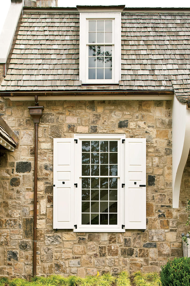 Cottage Style Home: Stylish Window Shutters