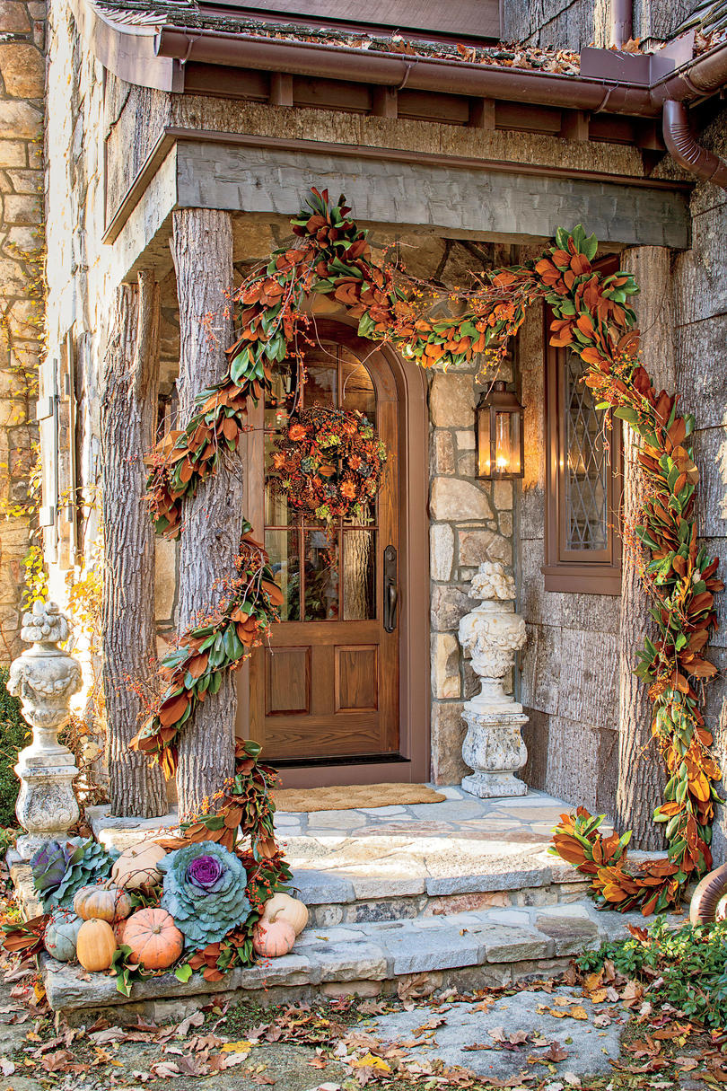 Outdoor decorations for fall southern living for Pictures of fall decorations for the yard