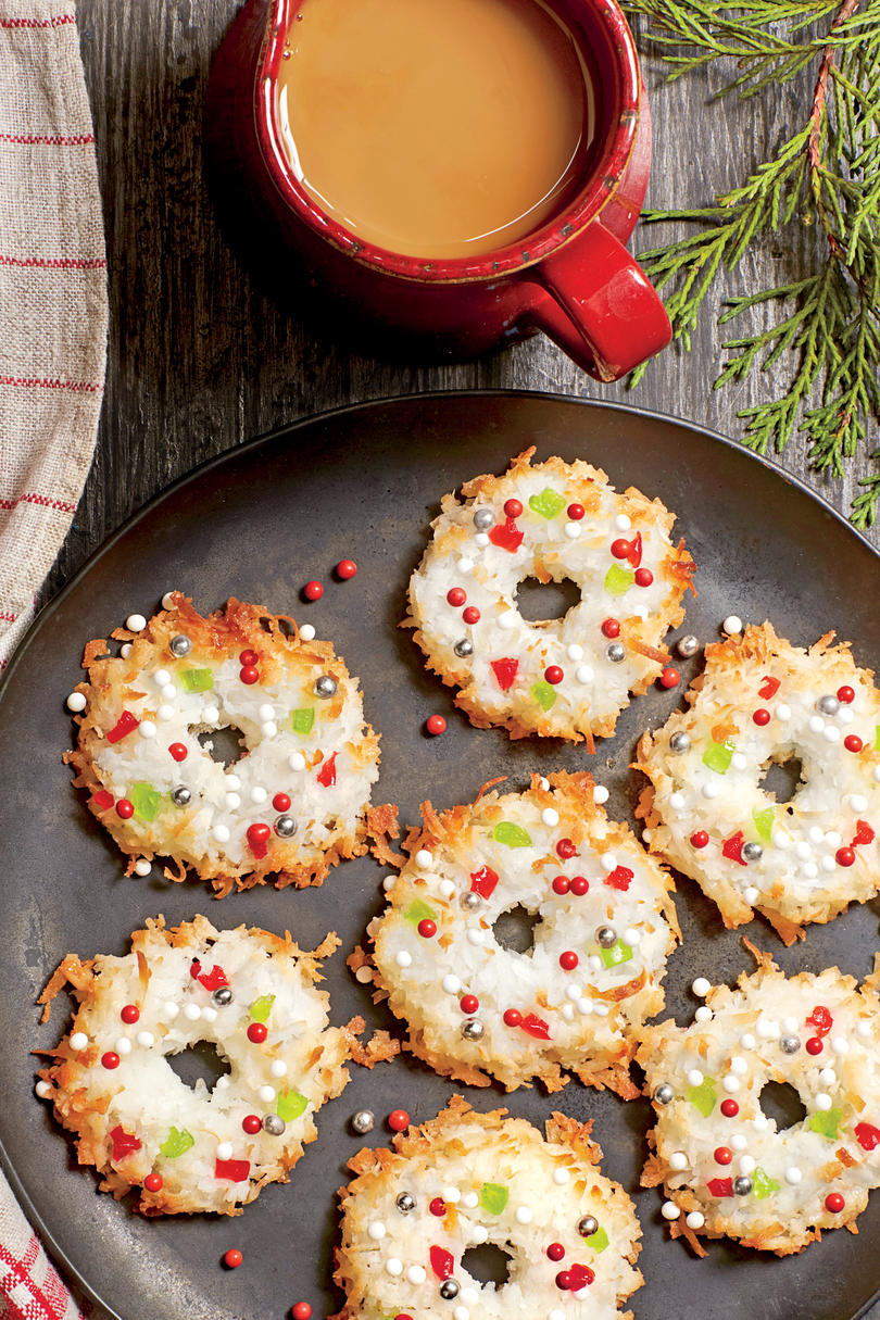 Wreath Macaroons