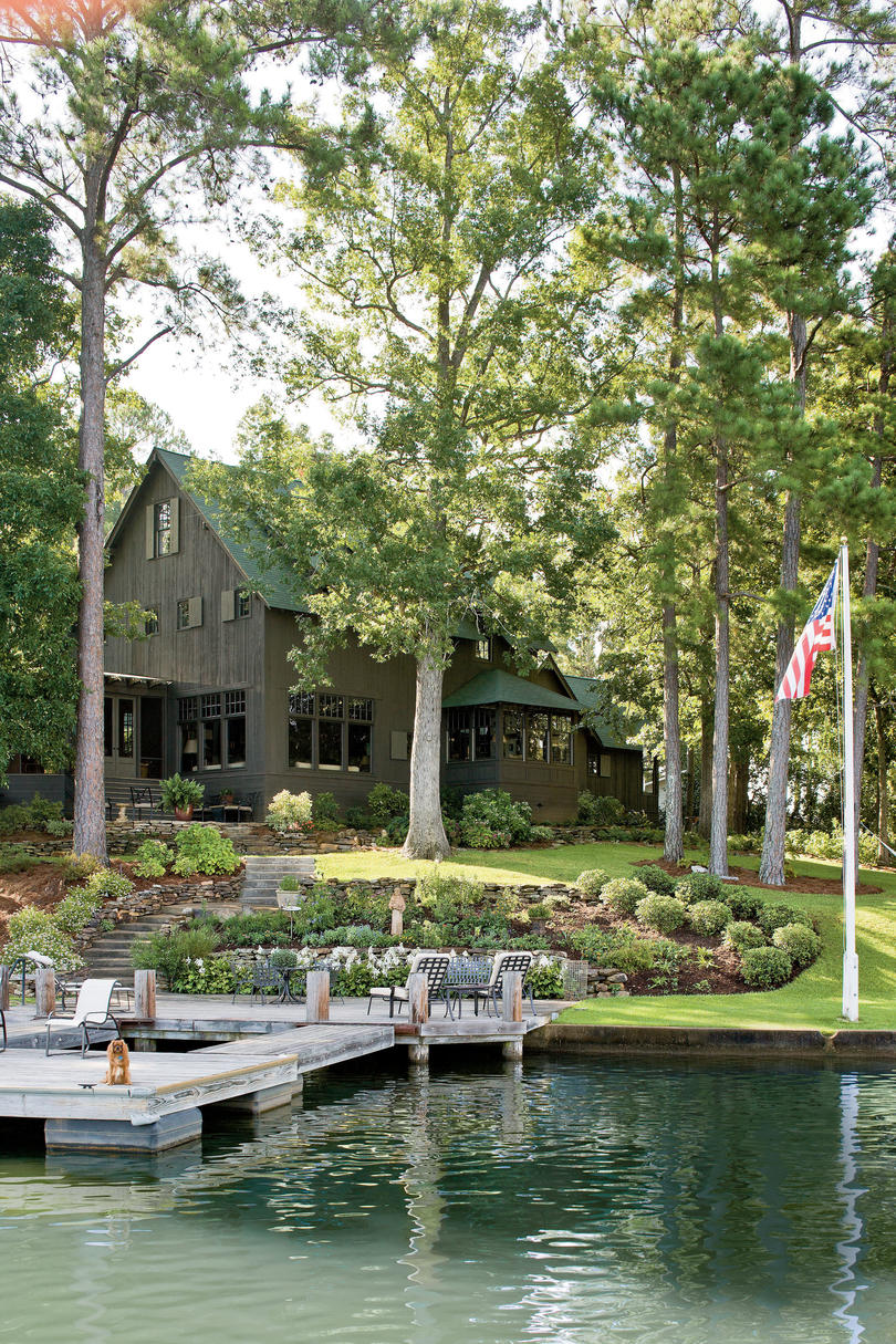 Naturally inspired georgia lake house southern living Lake house builders
