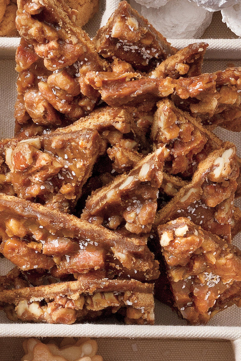 Christmas Cookie Recipes: Salted Caramel-Pecan Bars