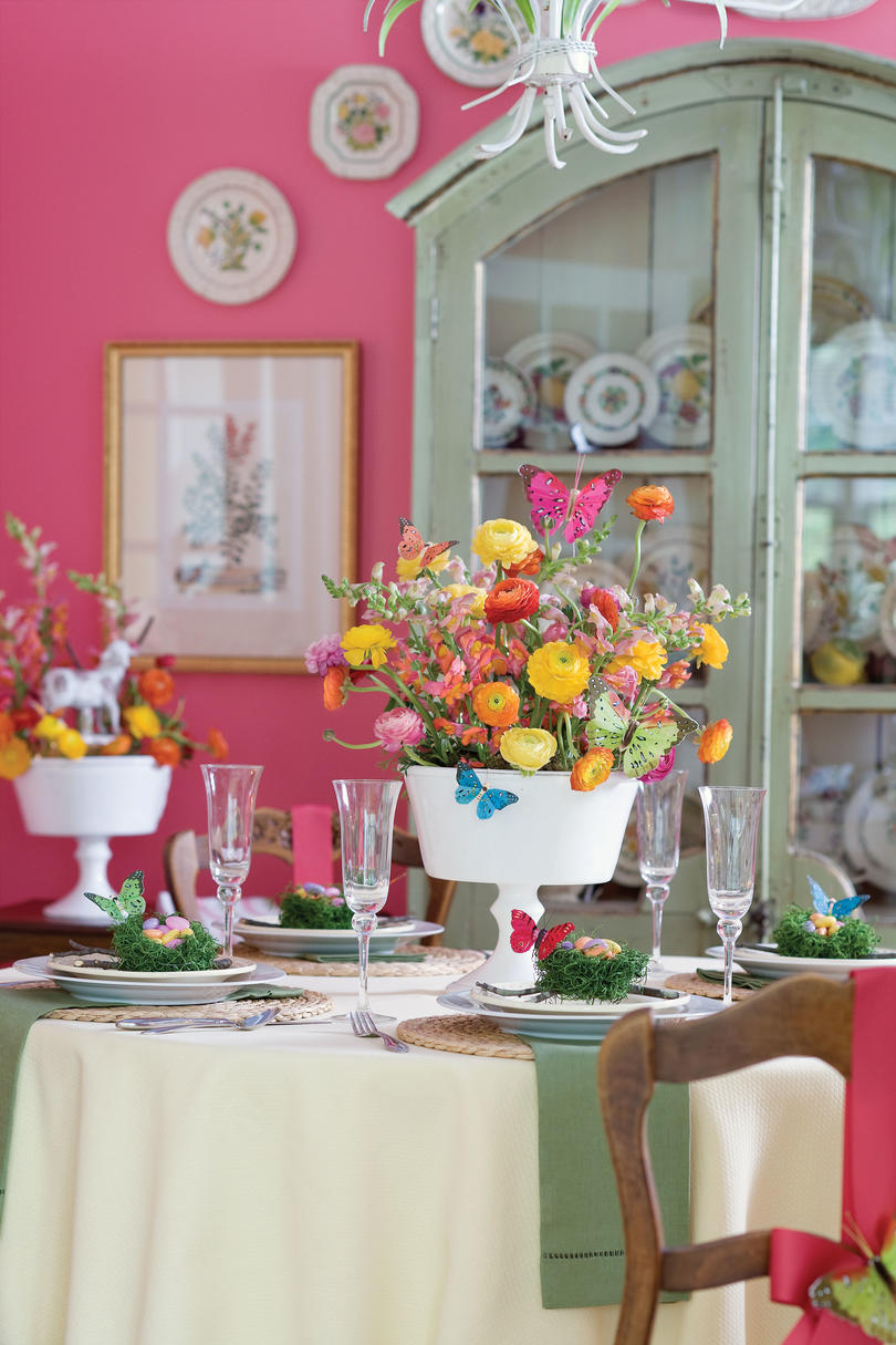 Spring Table Settings And Centerpieces