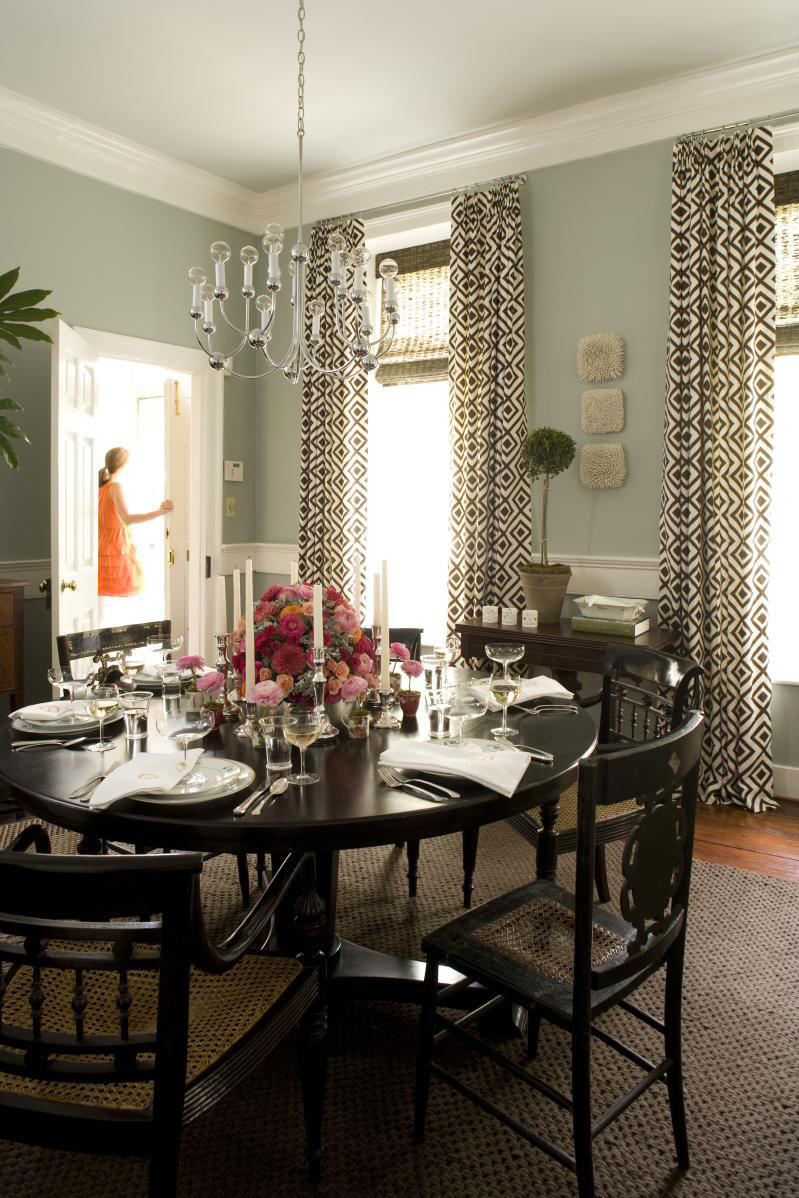 Charleston Home Dining Room: Choose a Round Table