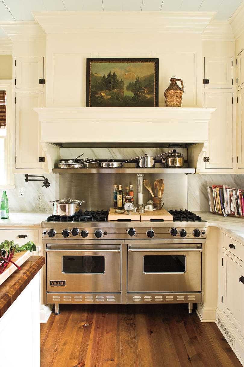 Home Restorations: Kitchen Hoods