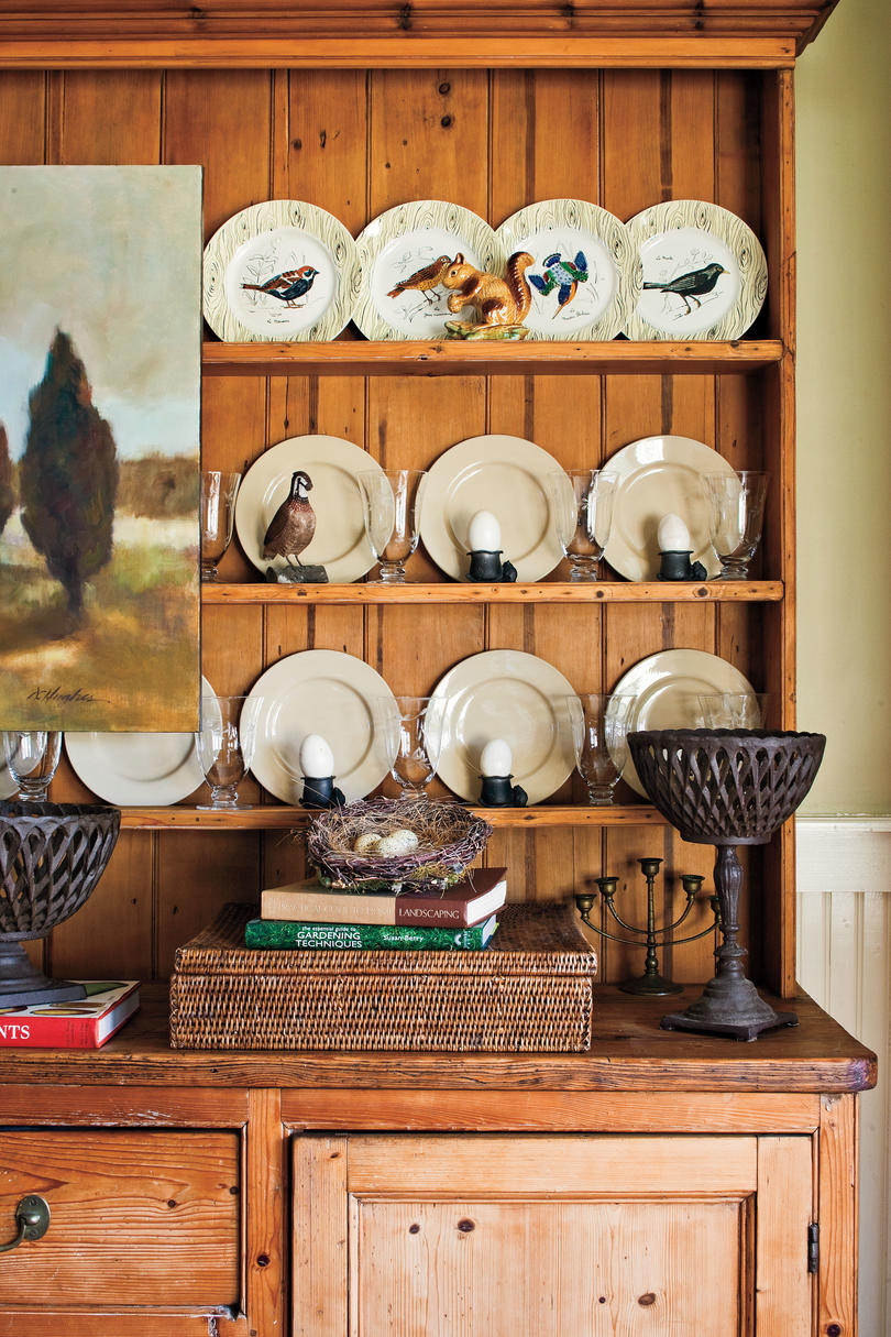 Home Restorations: Decorating with Plates