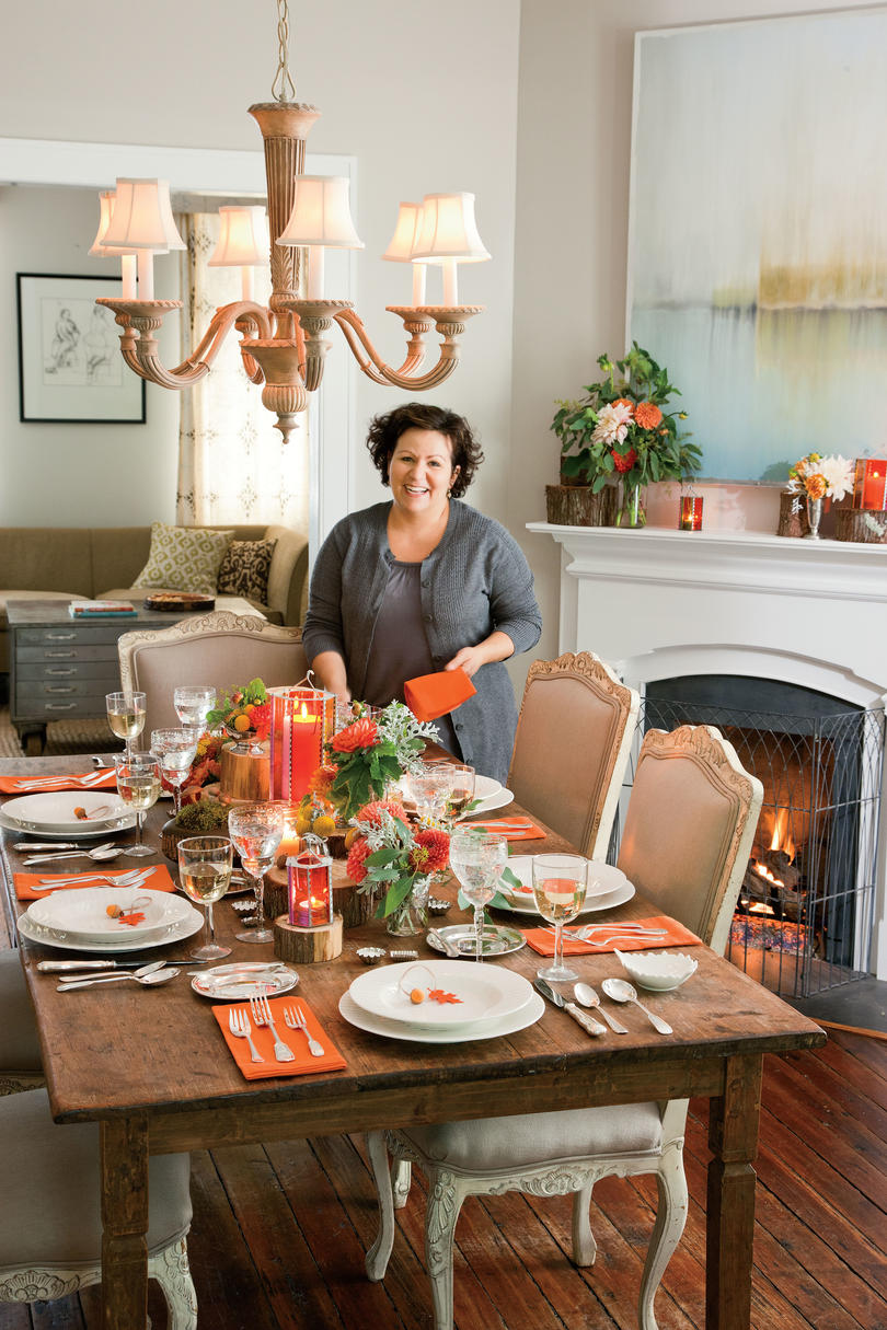 Natural thanksgiving table decoration ideas southern living - Thanksgiving dinner table decorations ...