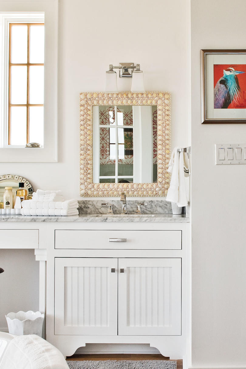 2009 Southern Living Texas Idea House Downstairs Master Bathroom