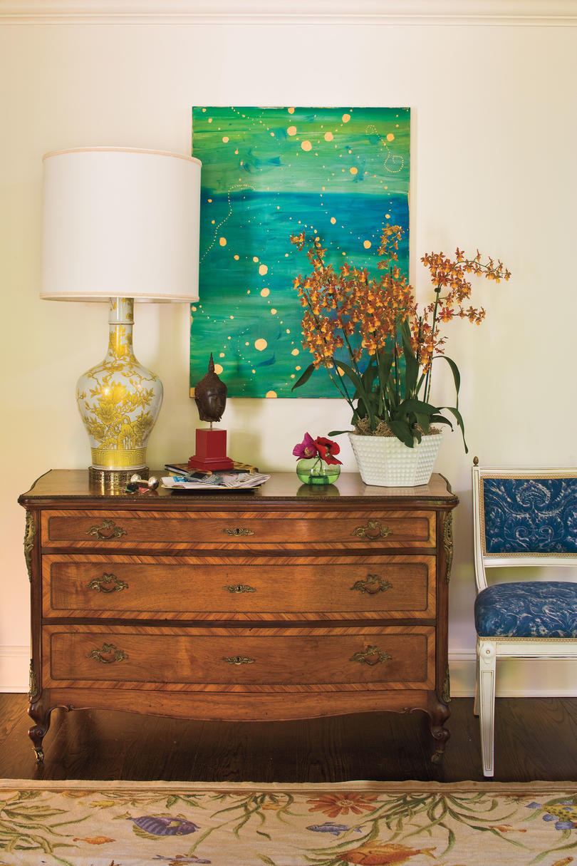 Interior Decorating Ideas: Tradition with a Colorful Twist ...