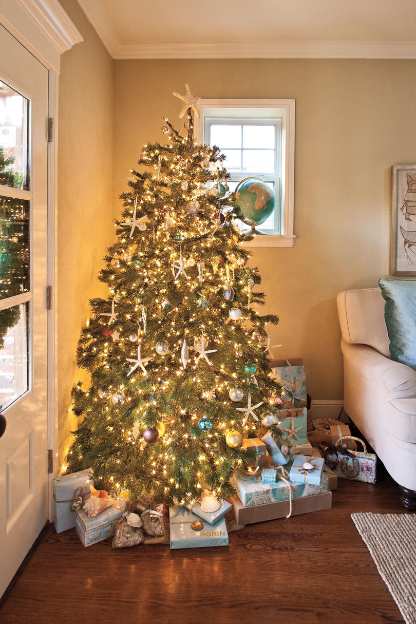 ideas on how to decorate a small living room tree decorating ideas southern living 28369