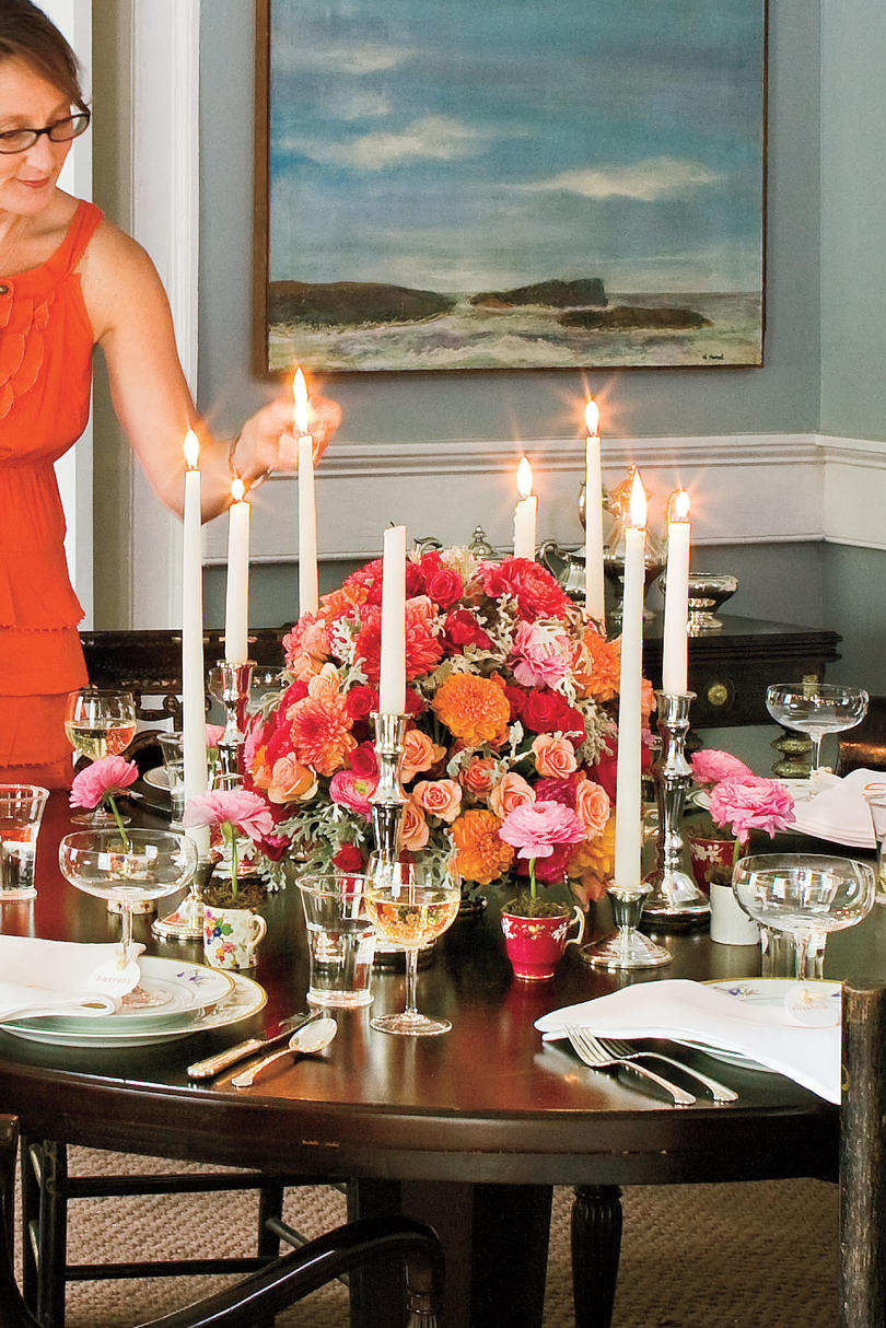 Charleston Home Dining Room: Decorate with Flowers and Candles