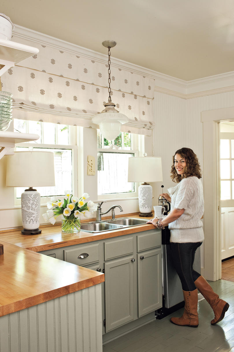 Kitchen inspiration southern living small cottage kitchen amipublicfo Choice Image