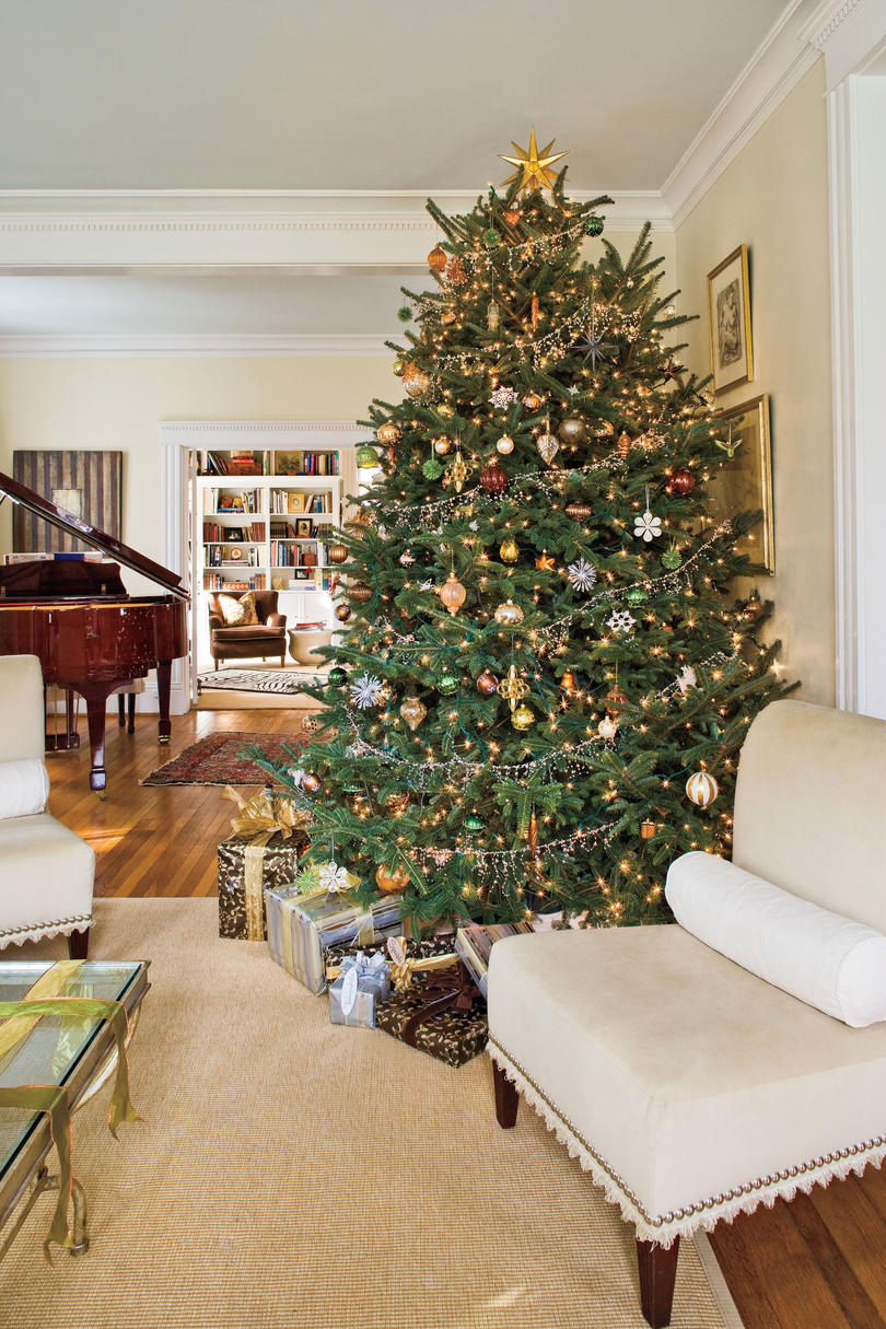 christmas tree decorating ideas metallic christmas tree - Southern Living Christmas Decorations