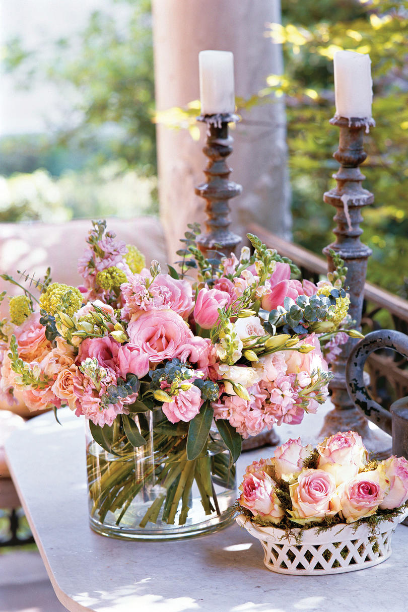 How to make a bouquet southern living how to make a bouquet gayes tips for arrangements izmirmasajfo