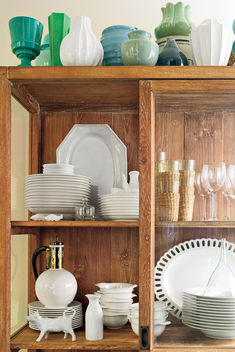 Small Kitchen Design Ideas: Alternative Cabinet for Glassware