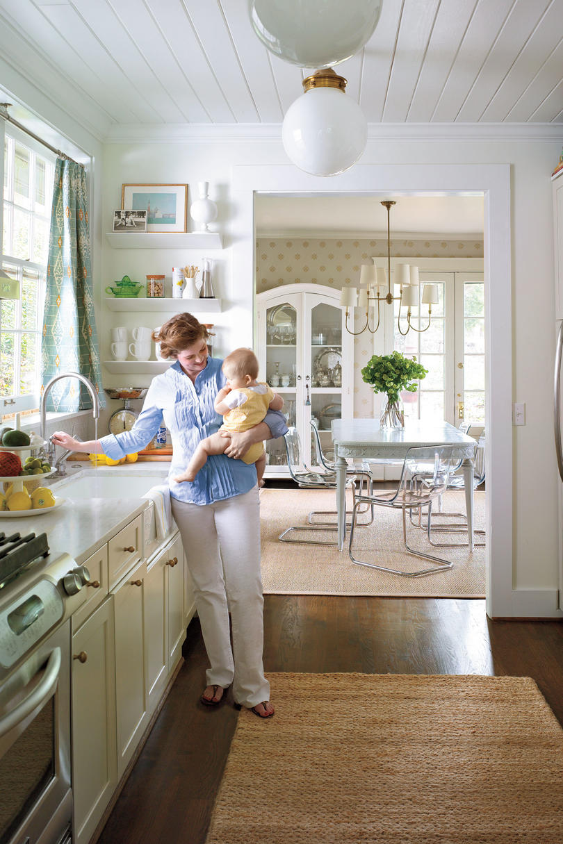 Stylish vintage kitchen ideas southern living for Country living 500 kitchen ideas style function charm