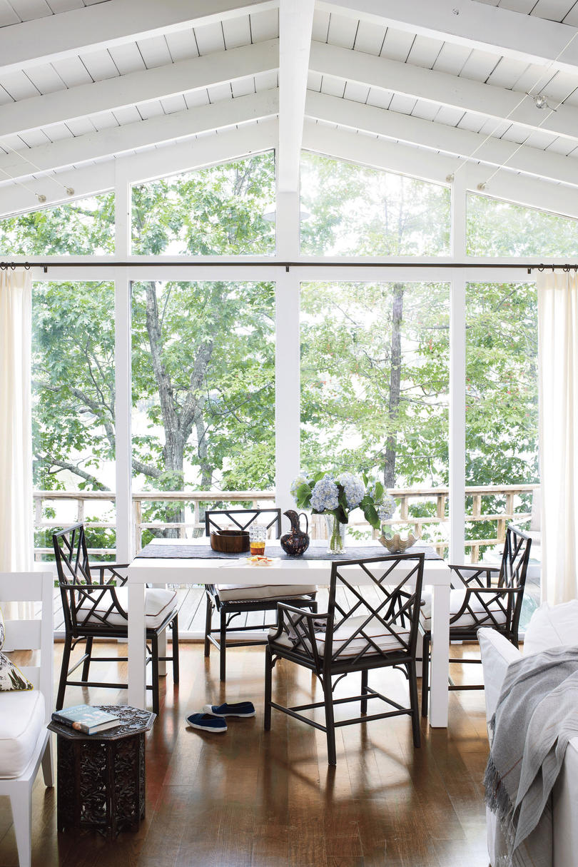Lake house decorating ideas southern living for Beach house design jeffrey strnad