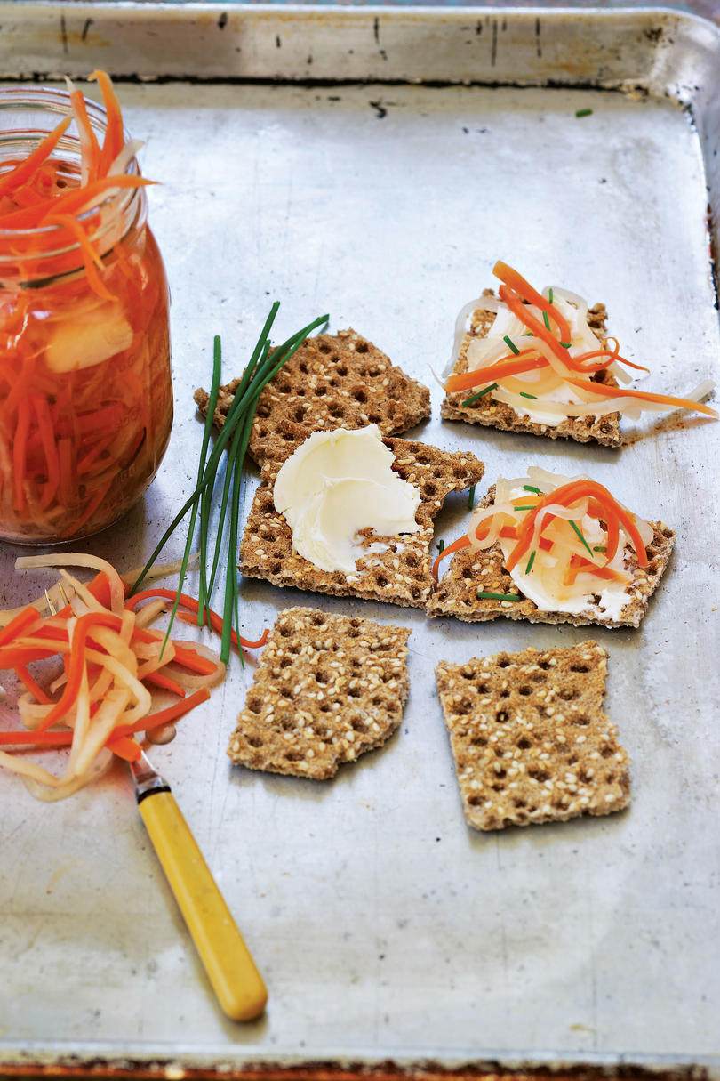 Asian-Style Carrot and Daikon Pickles