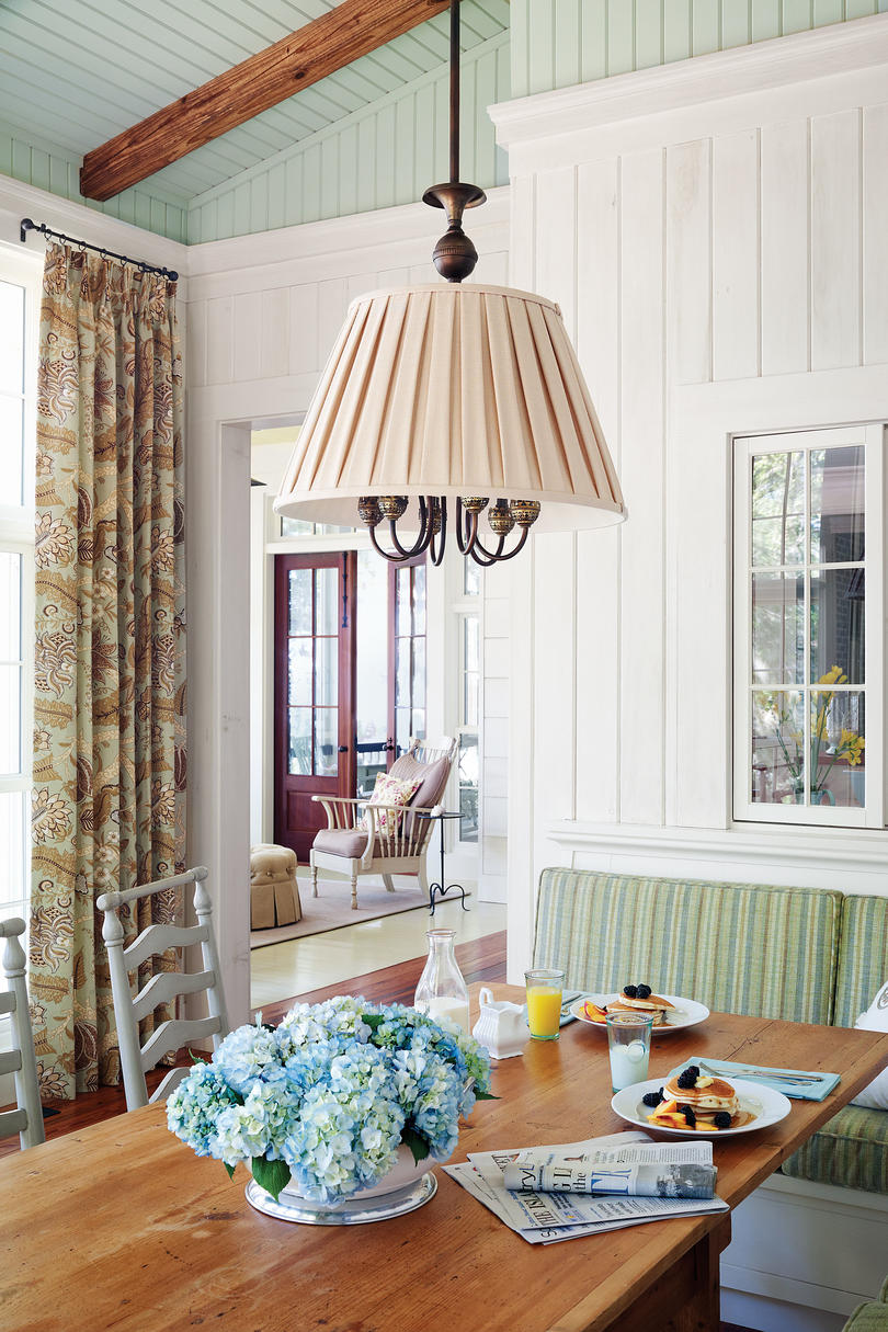 Decorating Old Houses Creating A Vintage Look In A New Home Southern Living