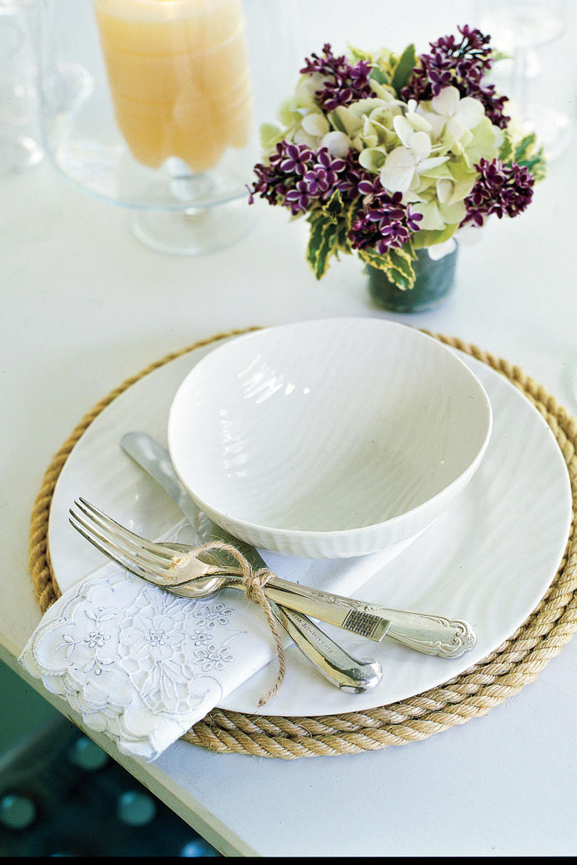 Outdoor Dining: Set the Table