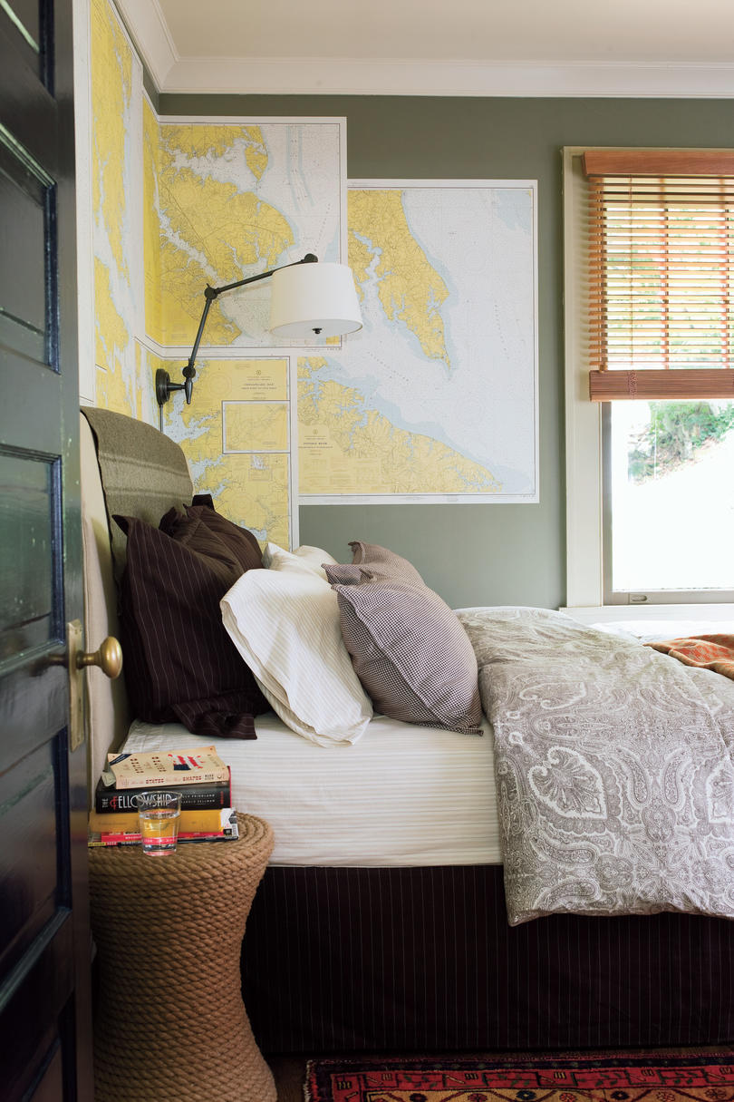Craftsman Style Home Decorating Ideas: Use Maps Instead of Wallpaper