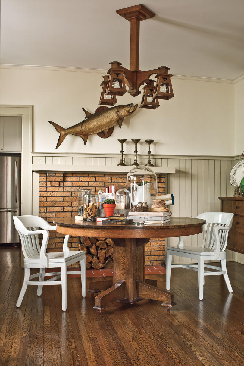 Craftsman Style Home Decorating Ideas: Paint Dark Wood a Fresh Color