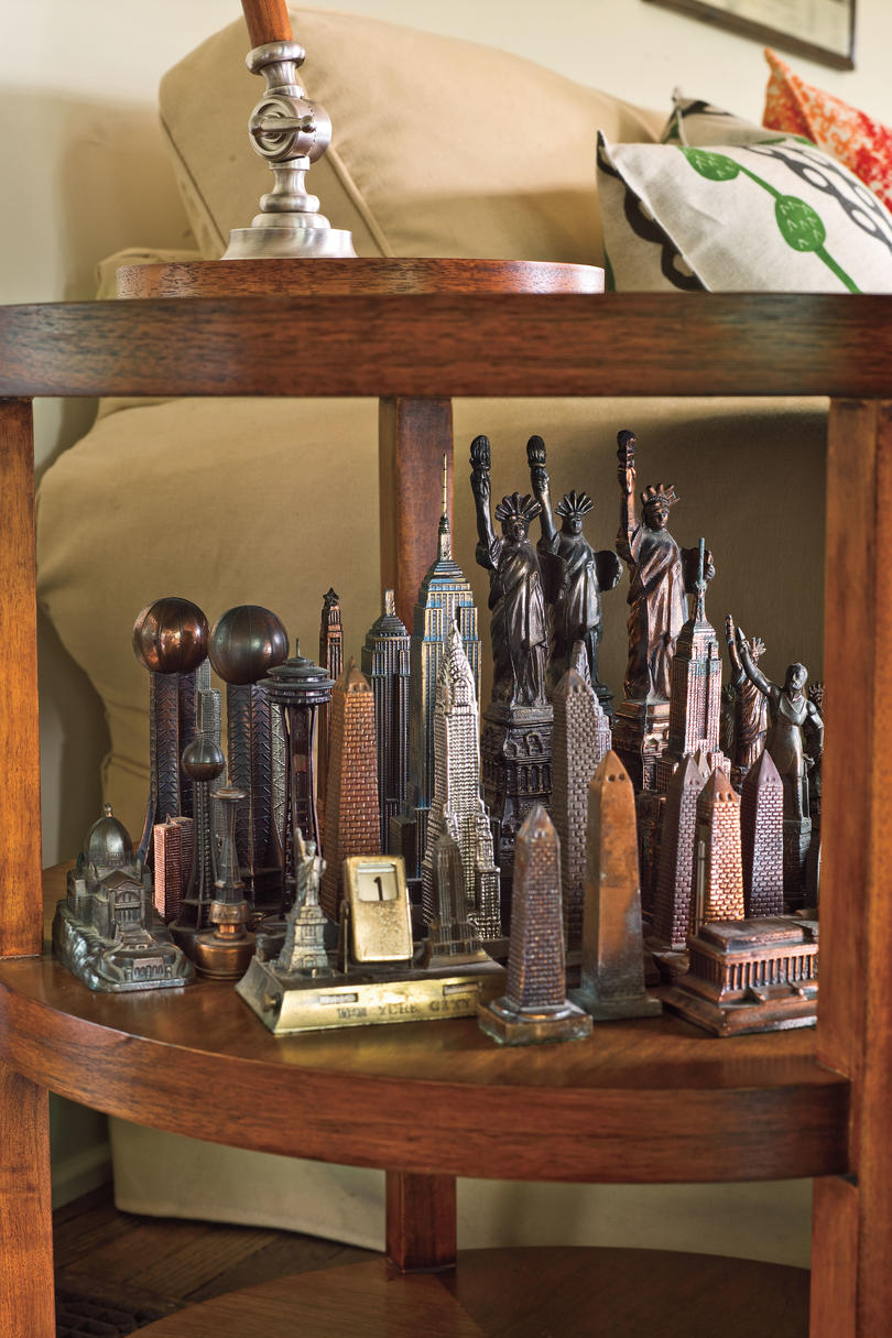 Craftsman Style Home Decorating Ideas: Group Small Collectibles for Impact