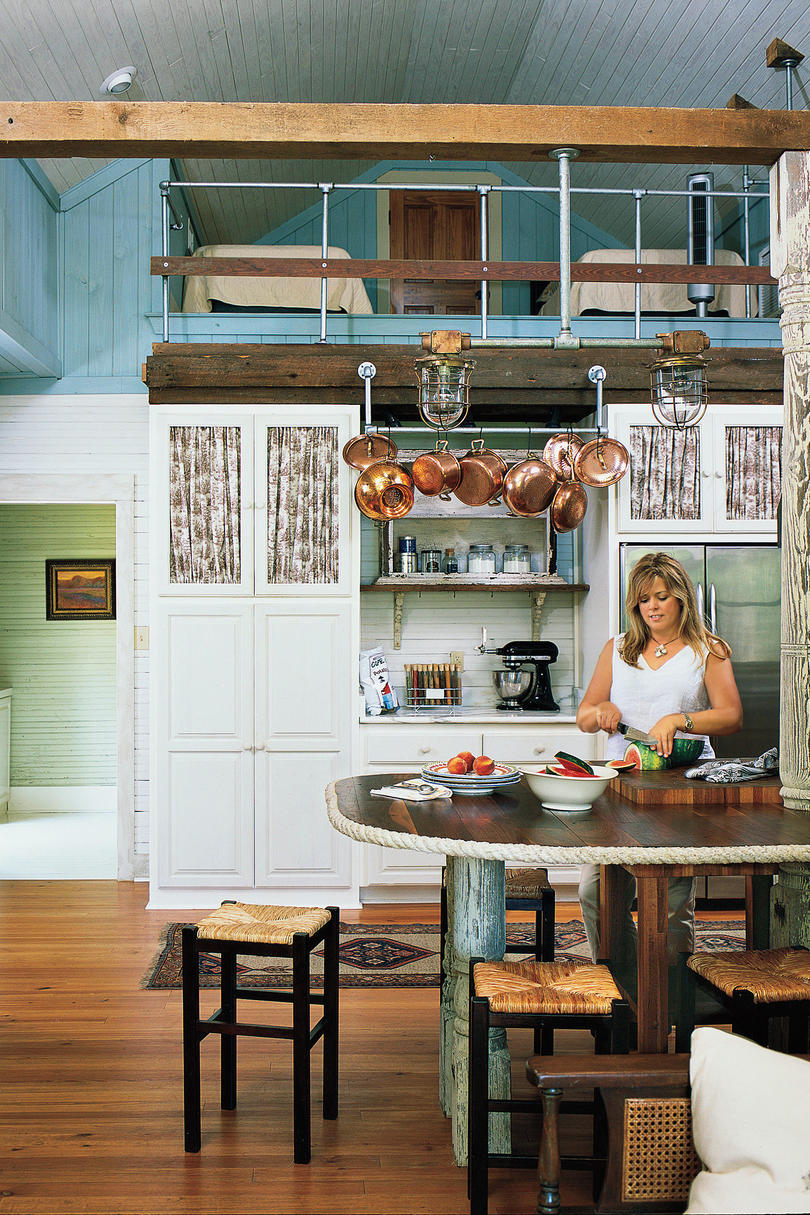 Stylish vintage kitchen ideas southern living for Country living light mahogany kitchen island