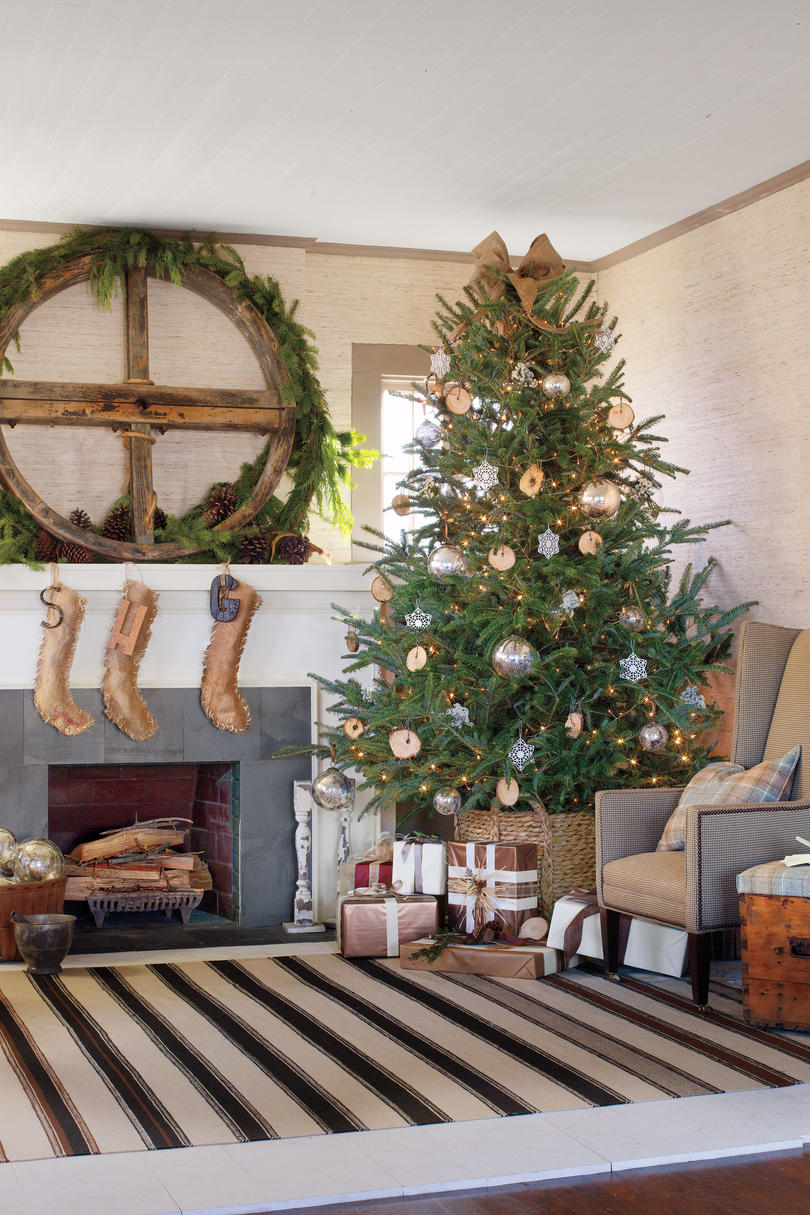 rustic christmas decorating ideas youll love southern living - Cool Christmas Decoration Ideas
