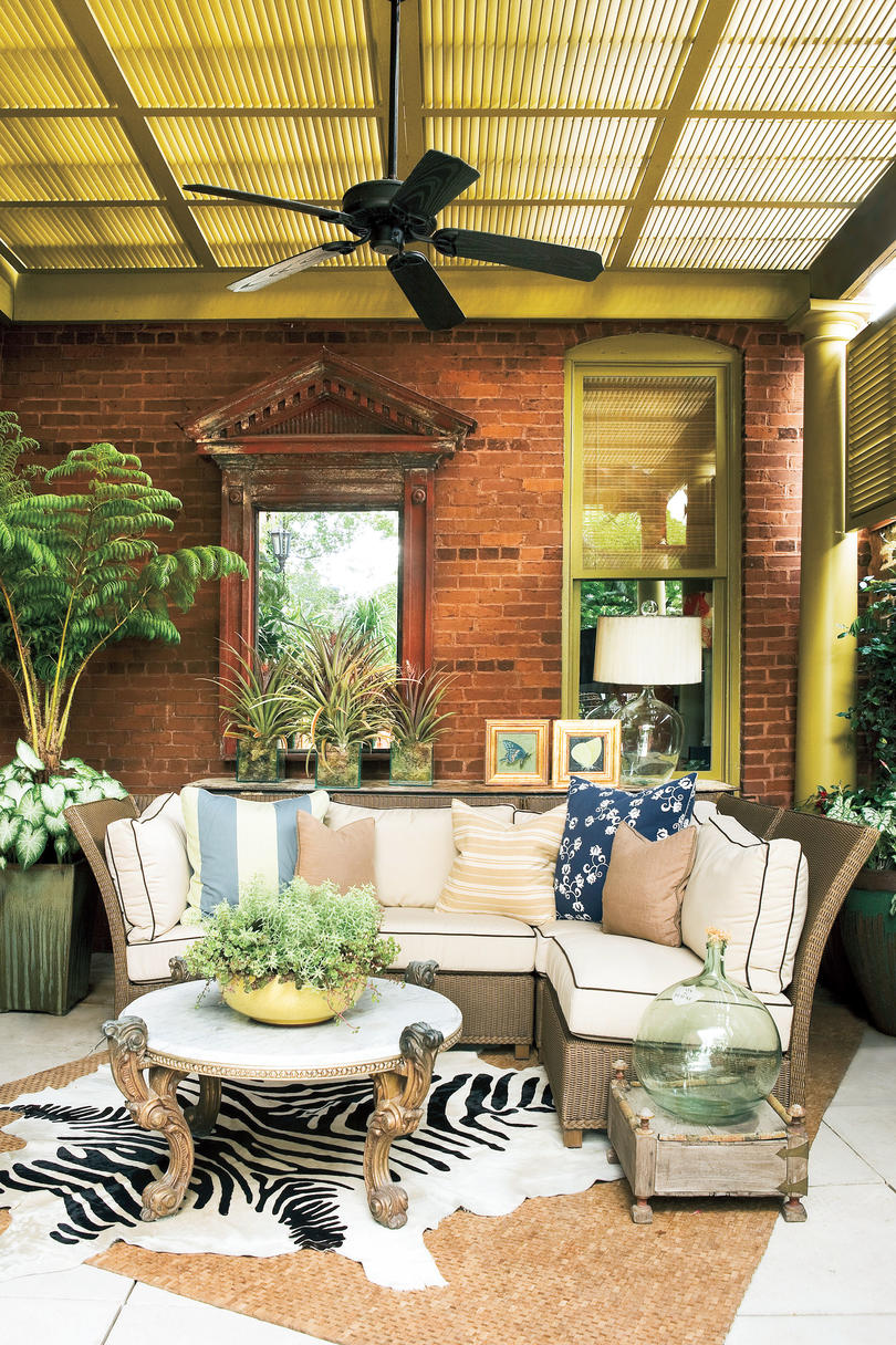 Porch decorating ideas southern living for Outdoor deck decorating