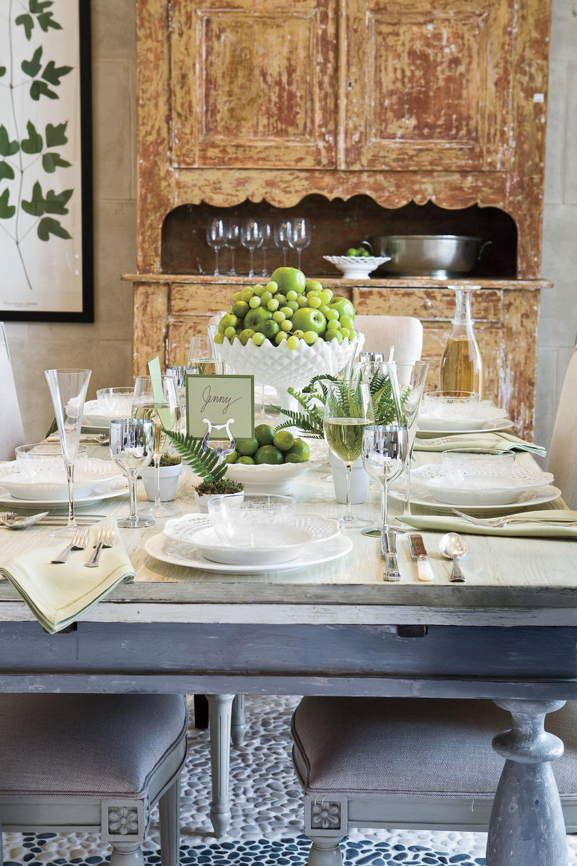 pretty southern table setting ideas southern living. Black Bedroom Furniture Sets. Home Design Ideas