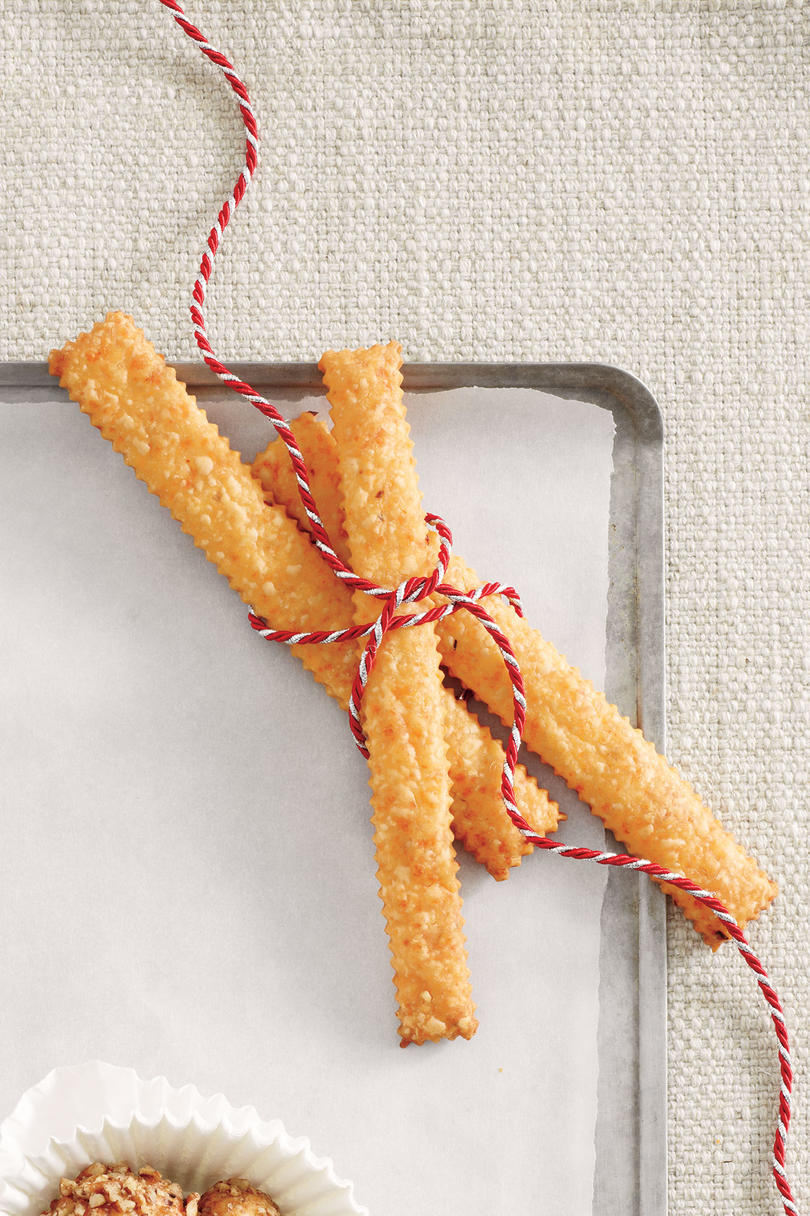 "Spicy Cheddar ""Long"" Straws"