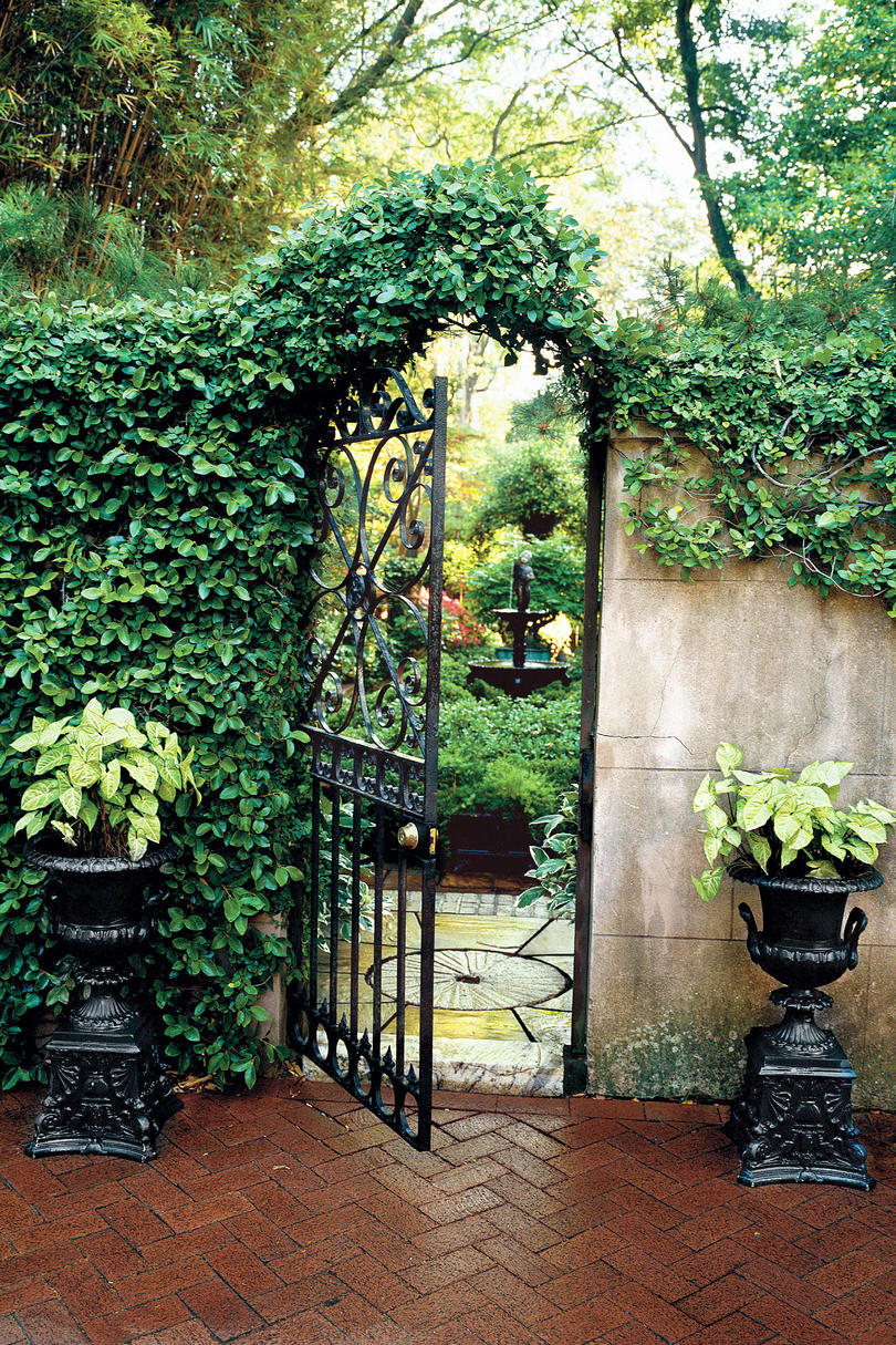 Choose the Perfect Garden Gate