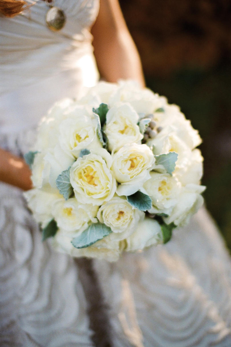 White wedding bouquets southern living elegant formal bouquet izmirmasajfo