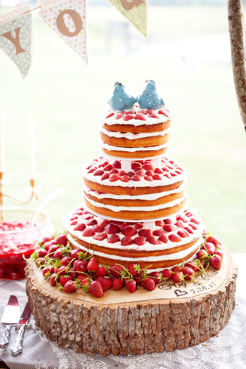 Fresh fruit wedding cakes southern living for Country living magazine customer service