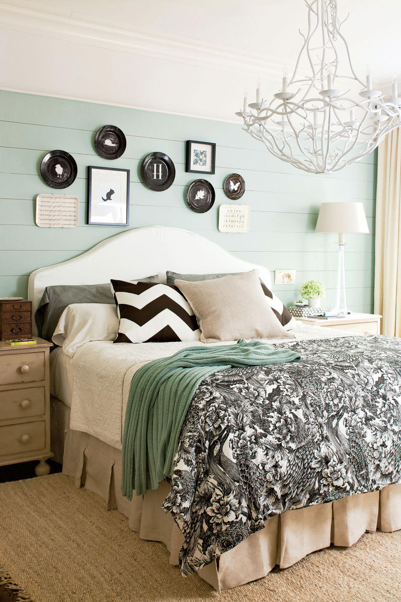 Master bedroom decorating ideas southern living for Casual master bedroom ideas