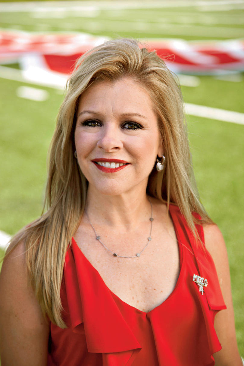 Stylish Game Day Clothes: Leigh Anne and Collins Tuohy ...