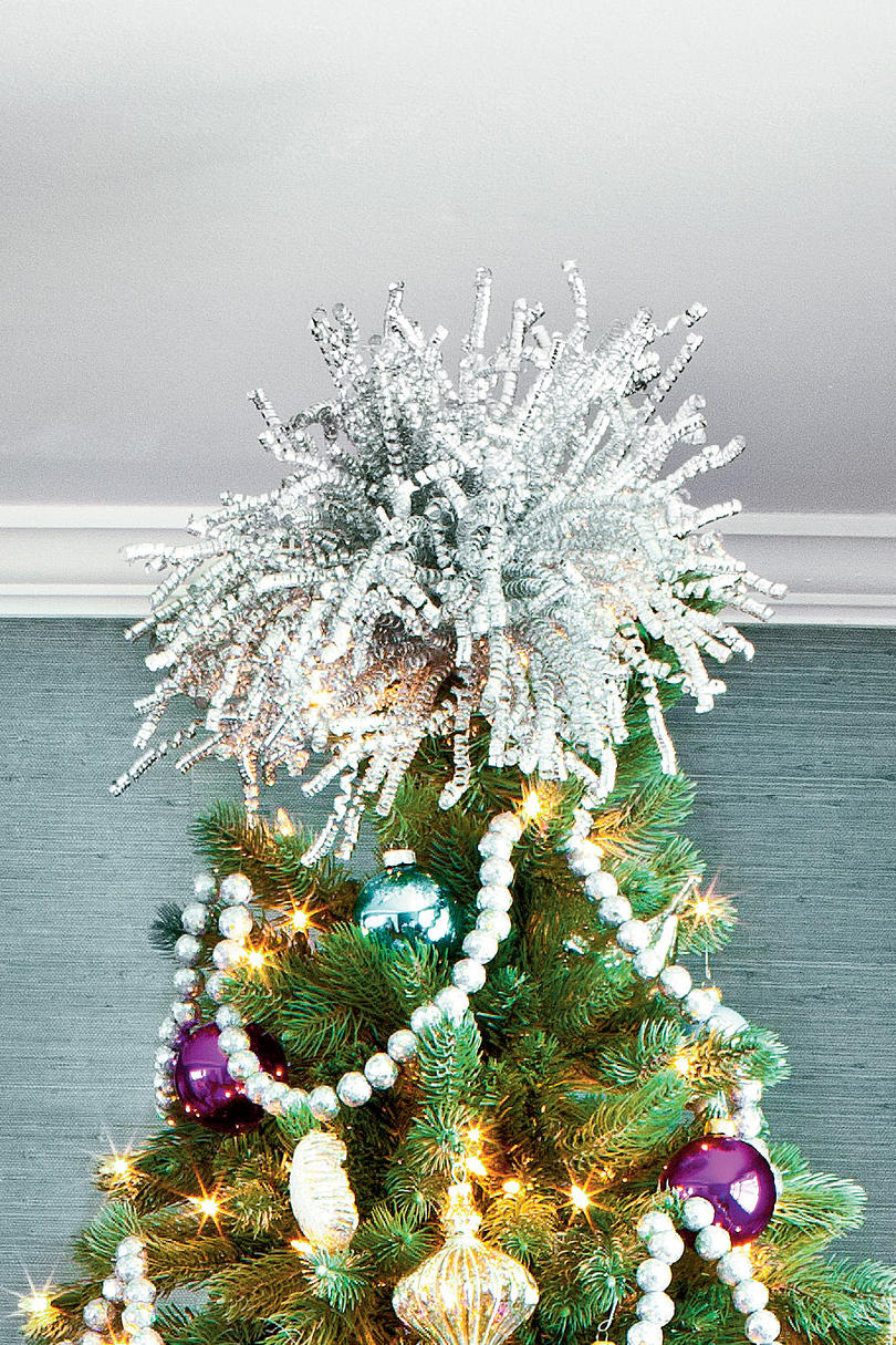 100 fresh christmas decorating ideas southern living make your own sparkly topper solutioingenieria Choice Image
