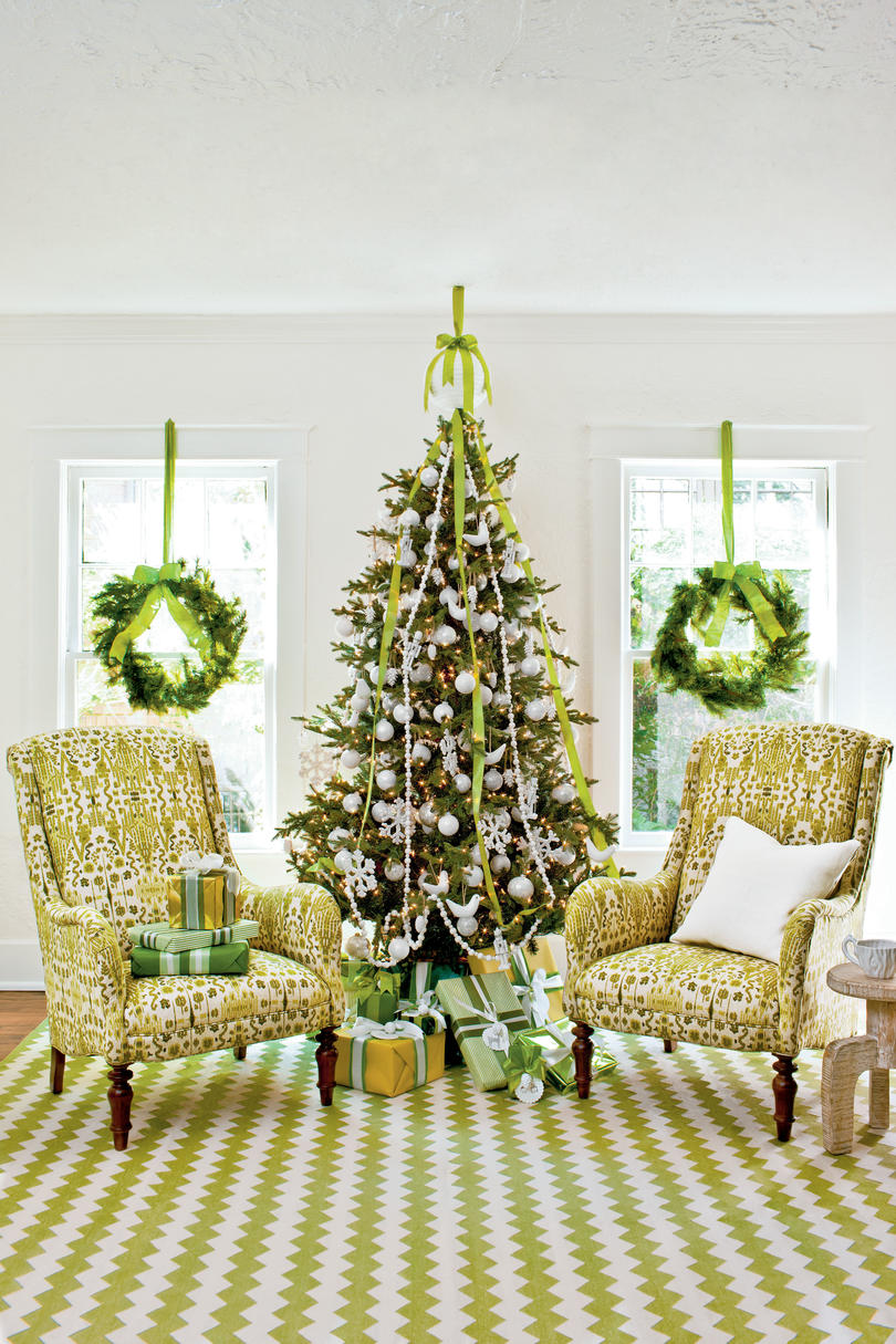 fresh green decorations - Green Christmas Tree Decorations