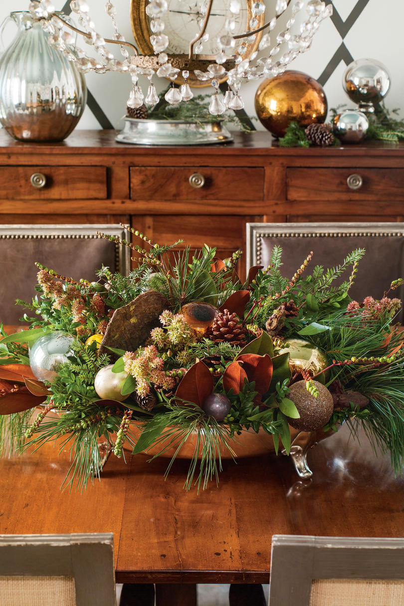 100 fresh christmas decorating ideas southern living create an evergreen centerpiece solutioingenieria Gallery