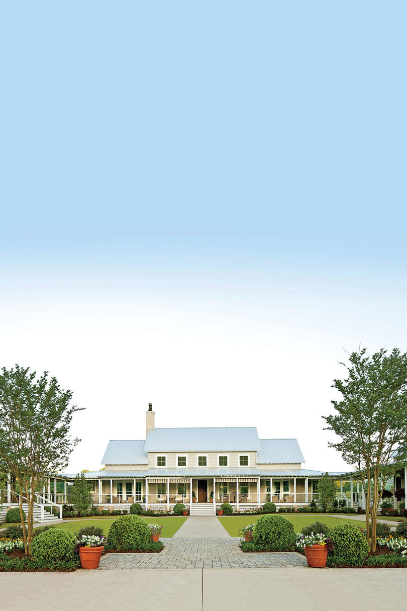 Traditional Southern Farmhouse