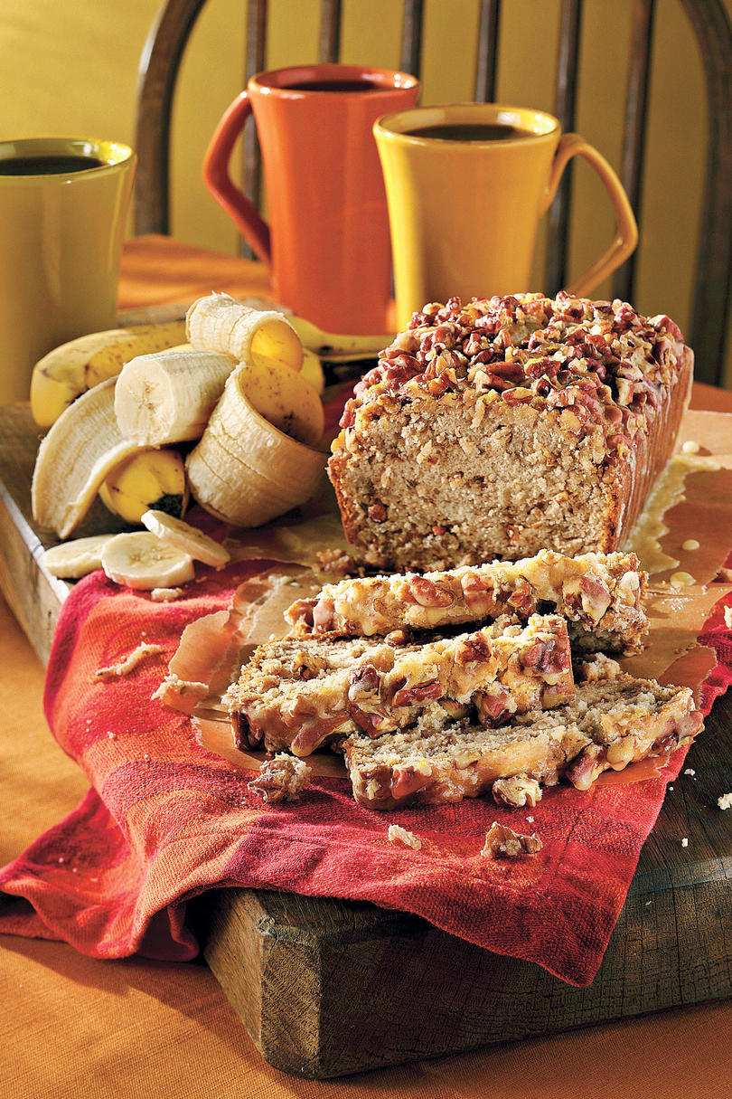 10 delicious banana bread recipes southern living cinnamon crisp topped cream cheese banana nut bread forumfinder Images