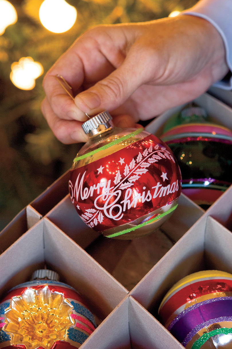 Christmas Decorating ideas: Vintage Ornaments