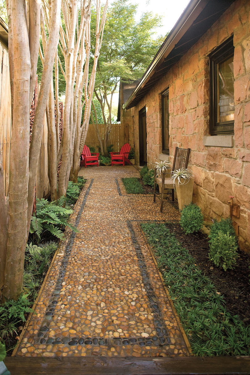 Lovely Small Side Patio