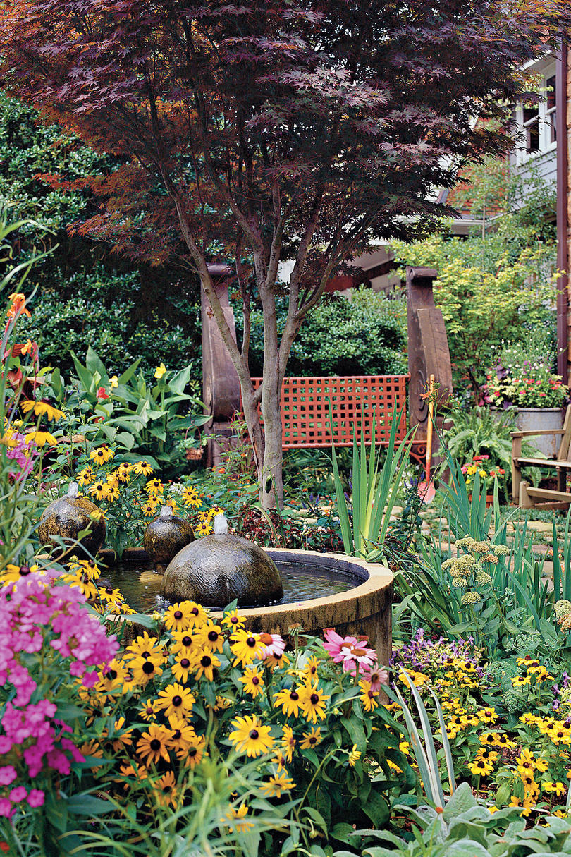 All time favorite outdoor spaces southern living for Creating a courtyard garden